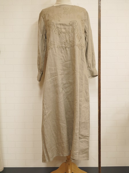 画像1: 【2020 S/S SALE NA 40%OFF】マルクドブロデュー Camellia EMB Boat neck dress/BE (1)