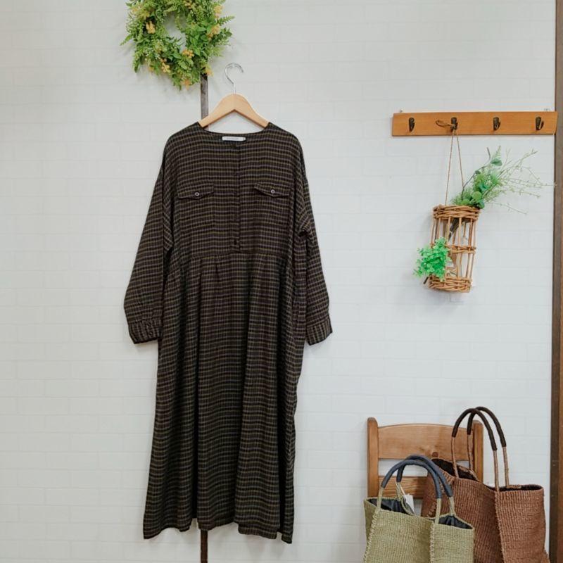画像1: 30綿麻綾織ダブルポケットワンピース/ミニチェックカーキ SUN VALLEY (1)